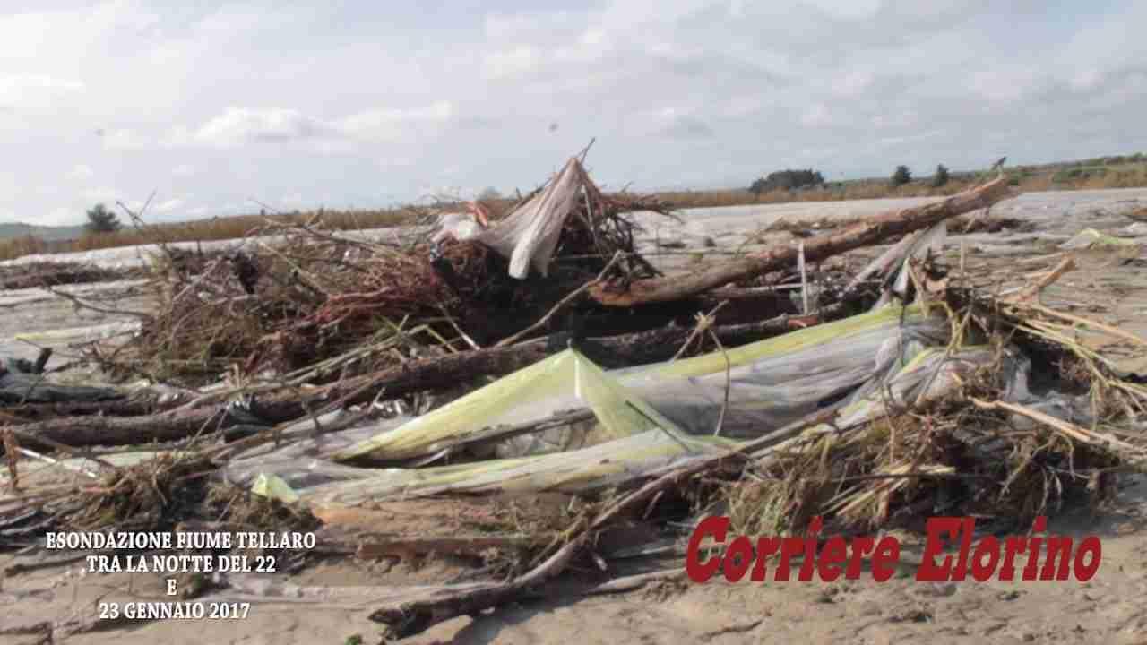 Il video della devastazione: 200 mila metri quadri di serre-tunnel spazzati via dalla furia dell'acqua