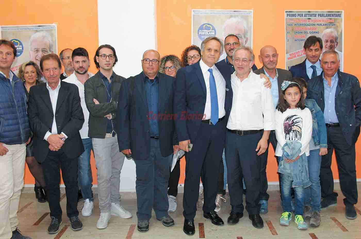 """Vinciullo inaugura il comitato elettorale a Rosolini: """"Da oltre 30 anni lavoriamo con onestà"""""""