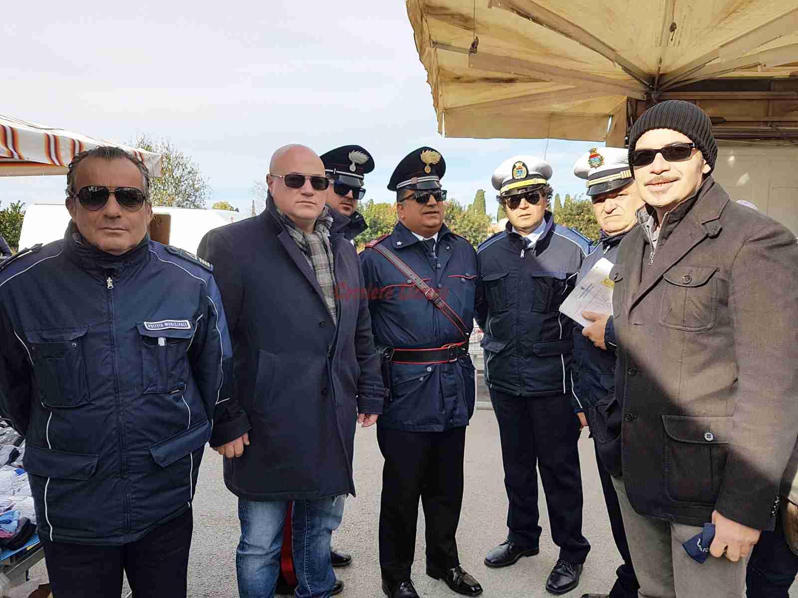 E' lotta ai borseggiatori nella fiera mercato, presenza assidua dei Carabinieri e Vigili