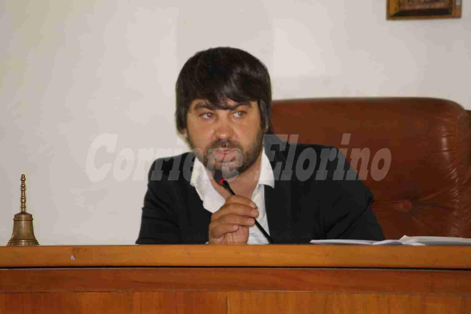 Bomba al Comune: si dimette Giovanni Spadola