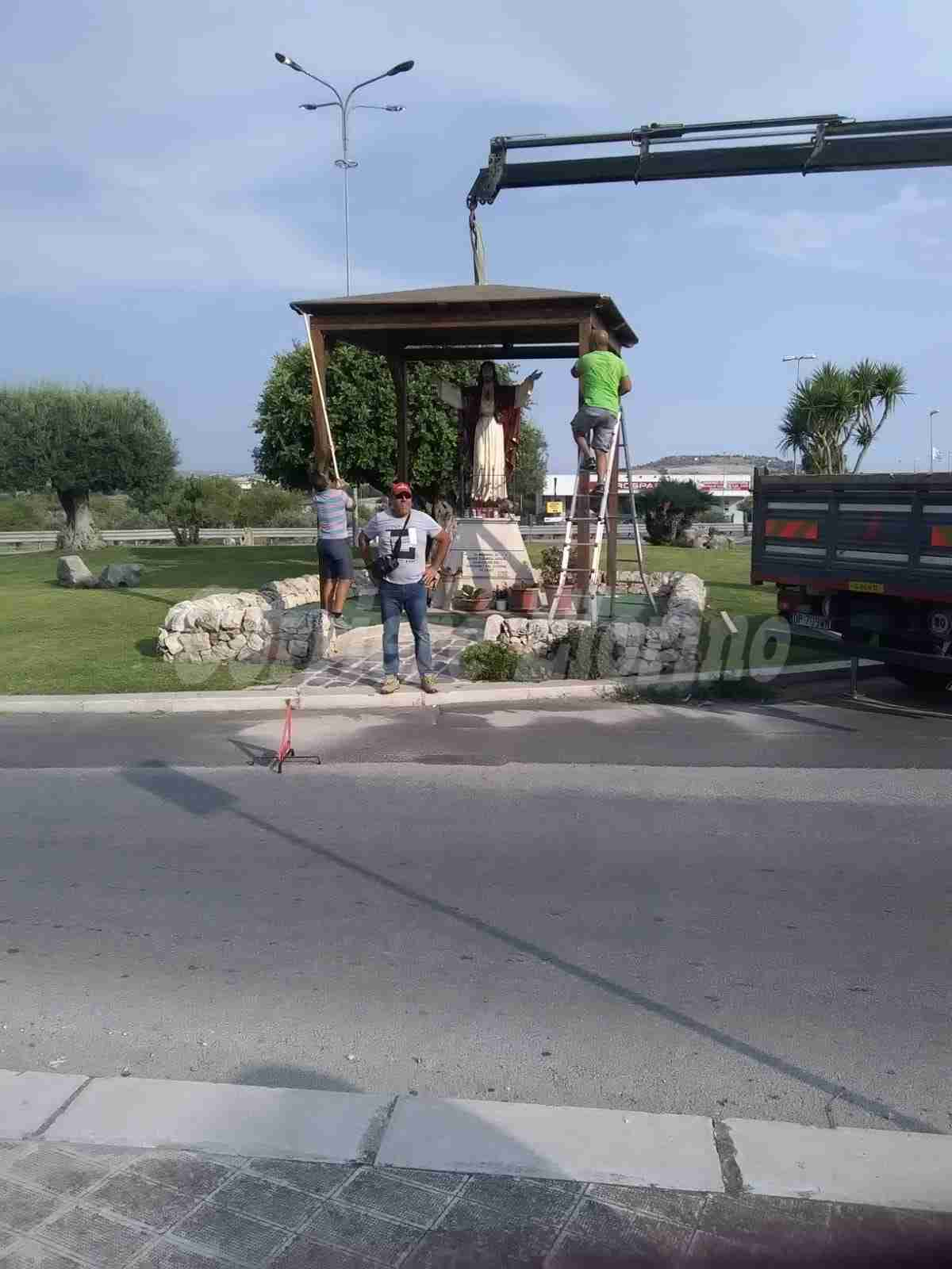 """Un gazebo per proteggere la statua del Sacro Cuore. Città Verde: """"Se ci aiutate non ci fermeremo"""""""