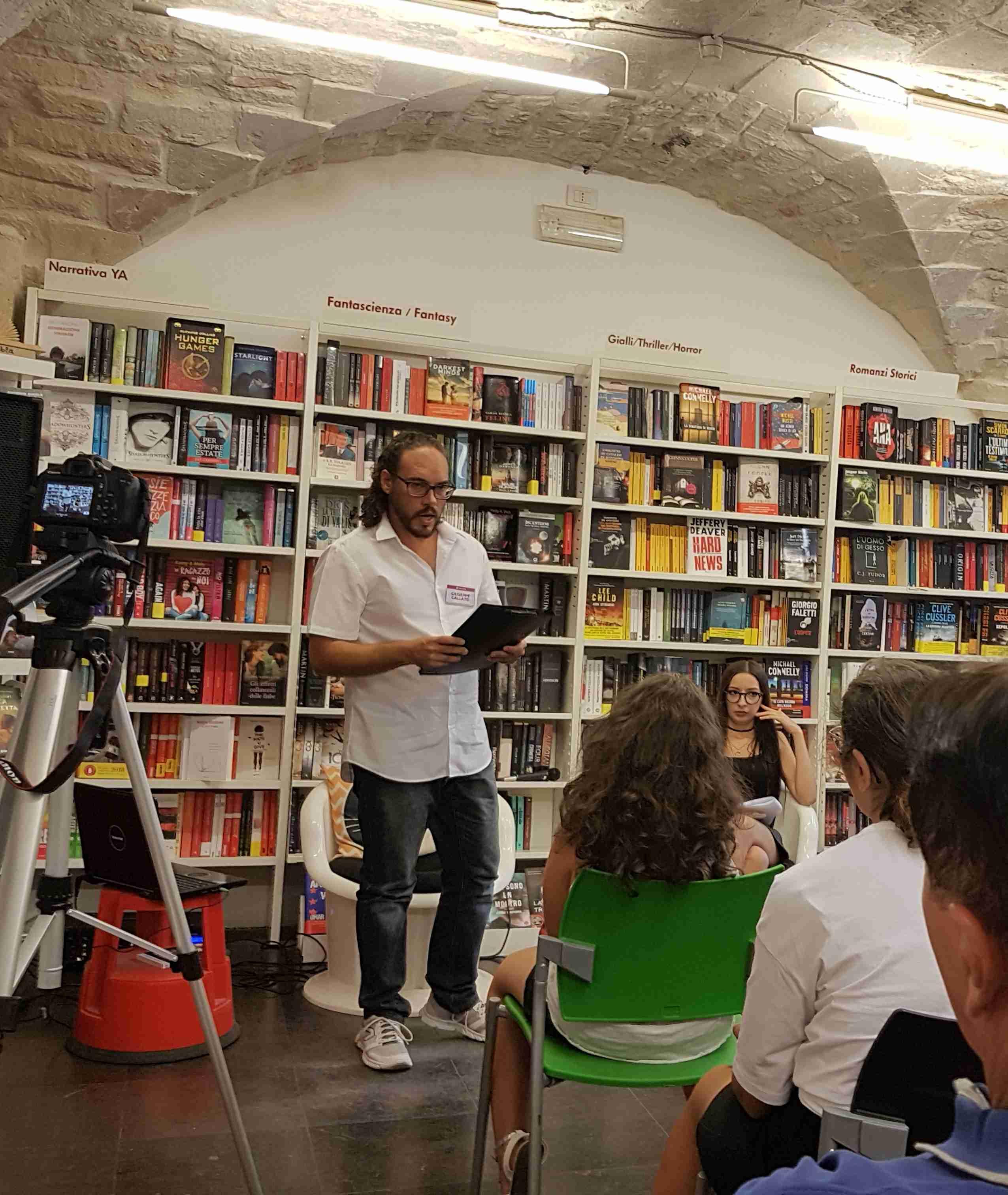 """Presentato all'Arcadia Comics il libro di Giuseppe Gallato """"Incantesimi nelle vie della memoria"""""""