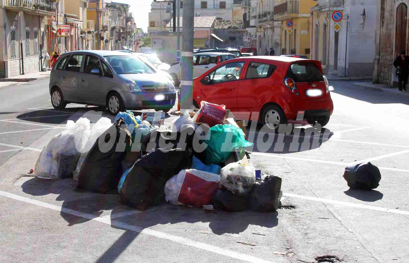 """Oggi raccolta rifiuti ferma, il sindaco si scusa con la città: """"In 4 mesi abbiamo pagato oltre 600 mila euro"""""""