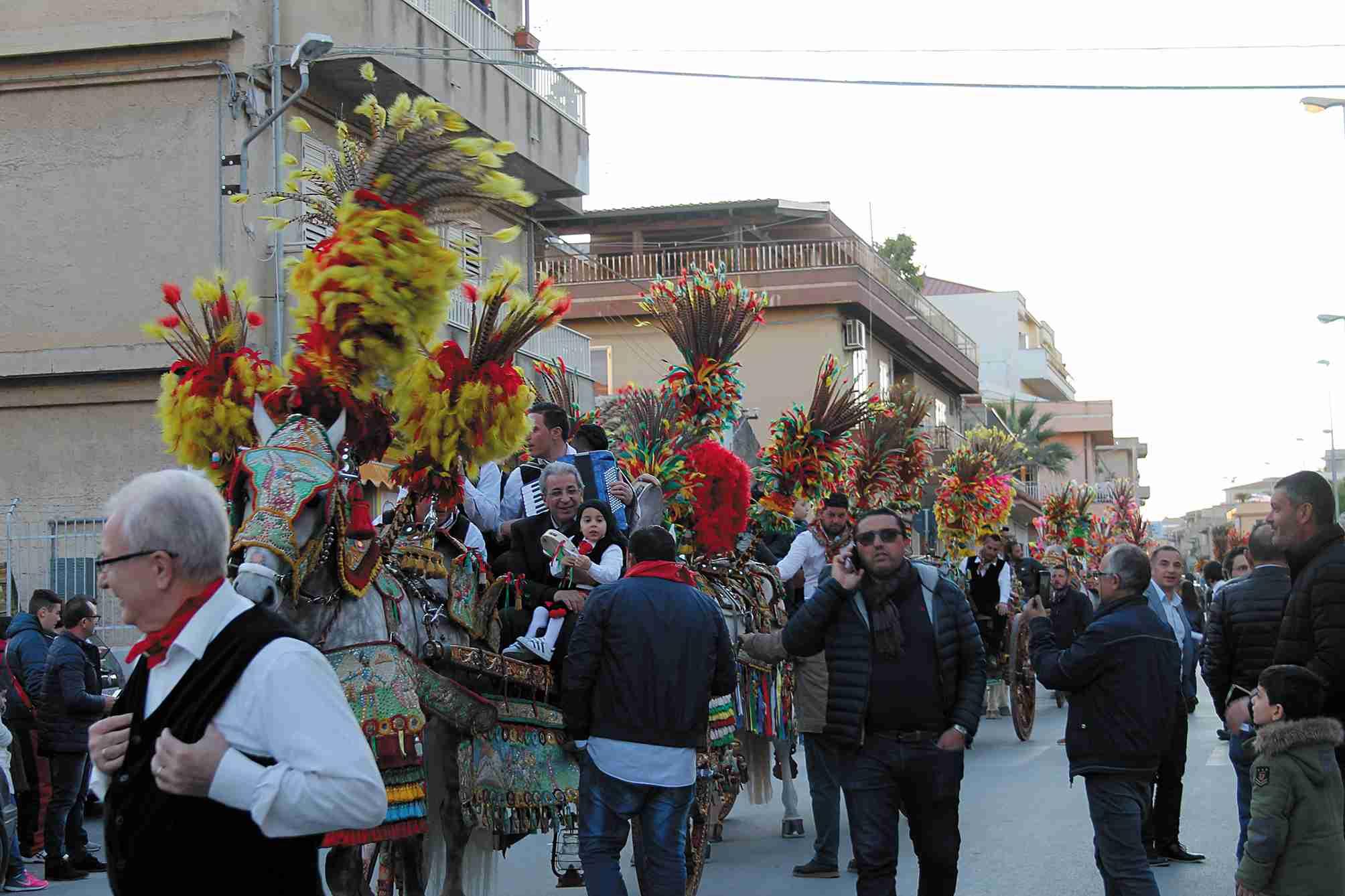 Sfilata dei carretti siciliani: posticipata al 14 aprile causa maltempo