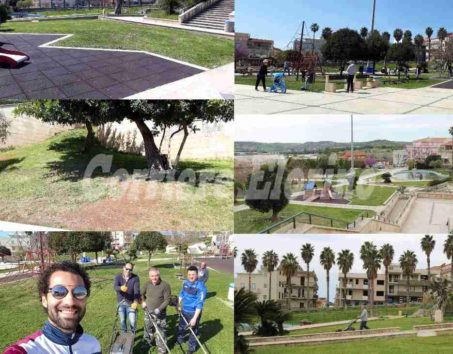 """Politici e volontari insieme per pulire il Parco """"Giovanni Paolo II"""""""