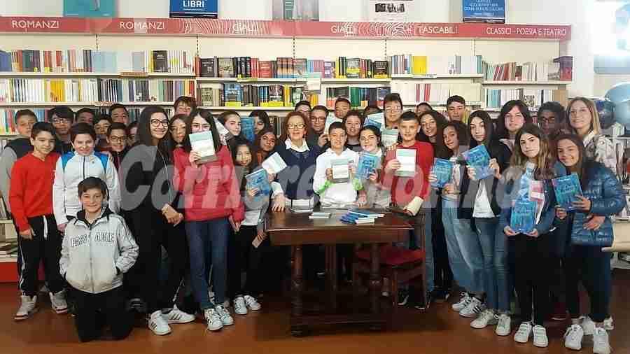 I racconti di memoria della scrittrice Pina Magro emozionano gli studenti