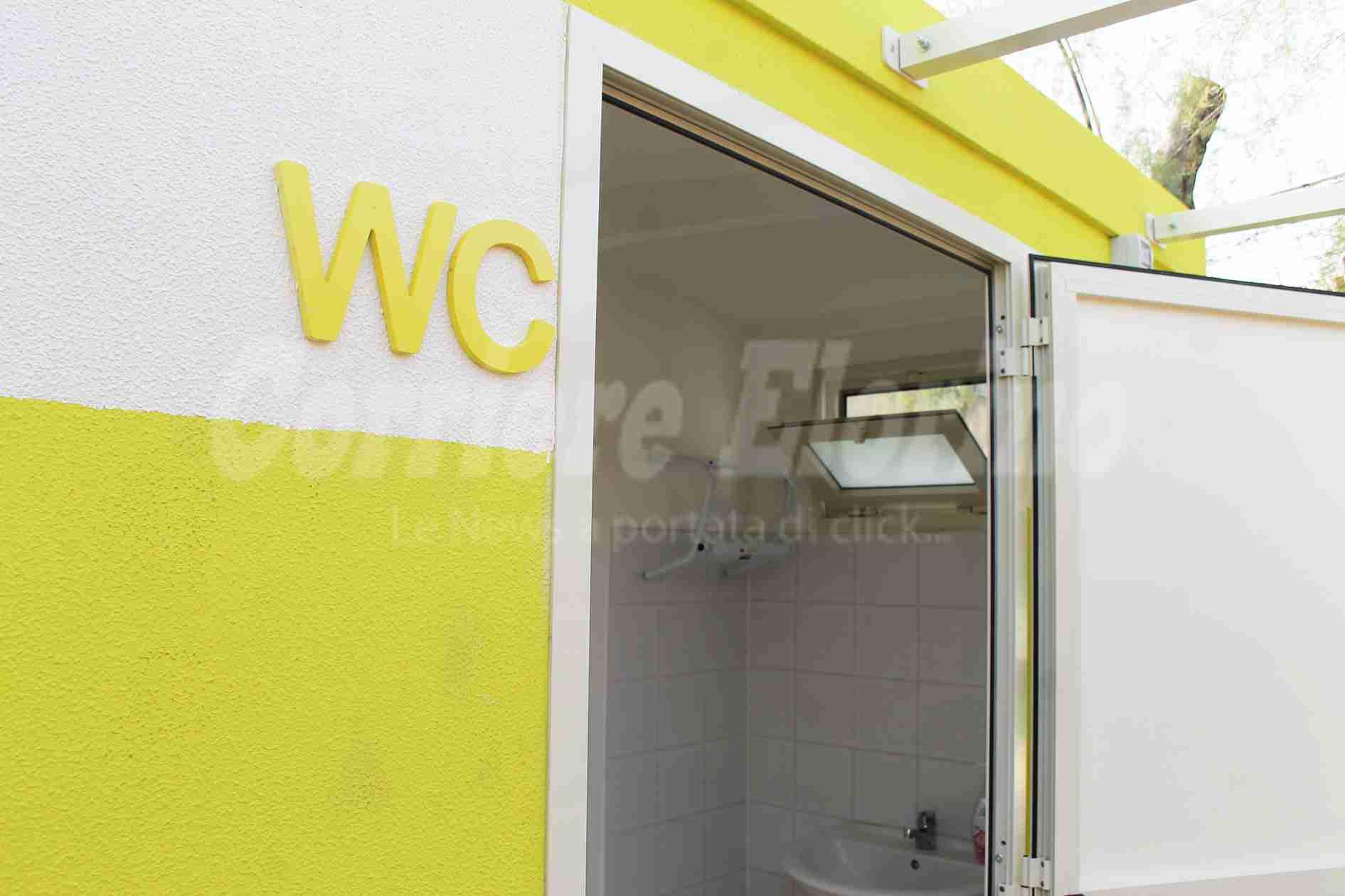 Pulizia e vigilanza bagni pubblici, il Comune cerca volontari a 200 euro al mese