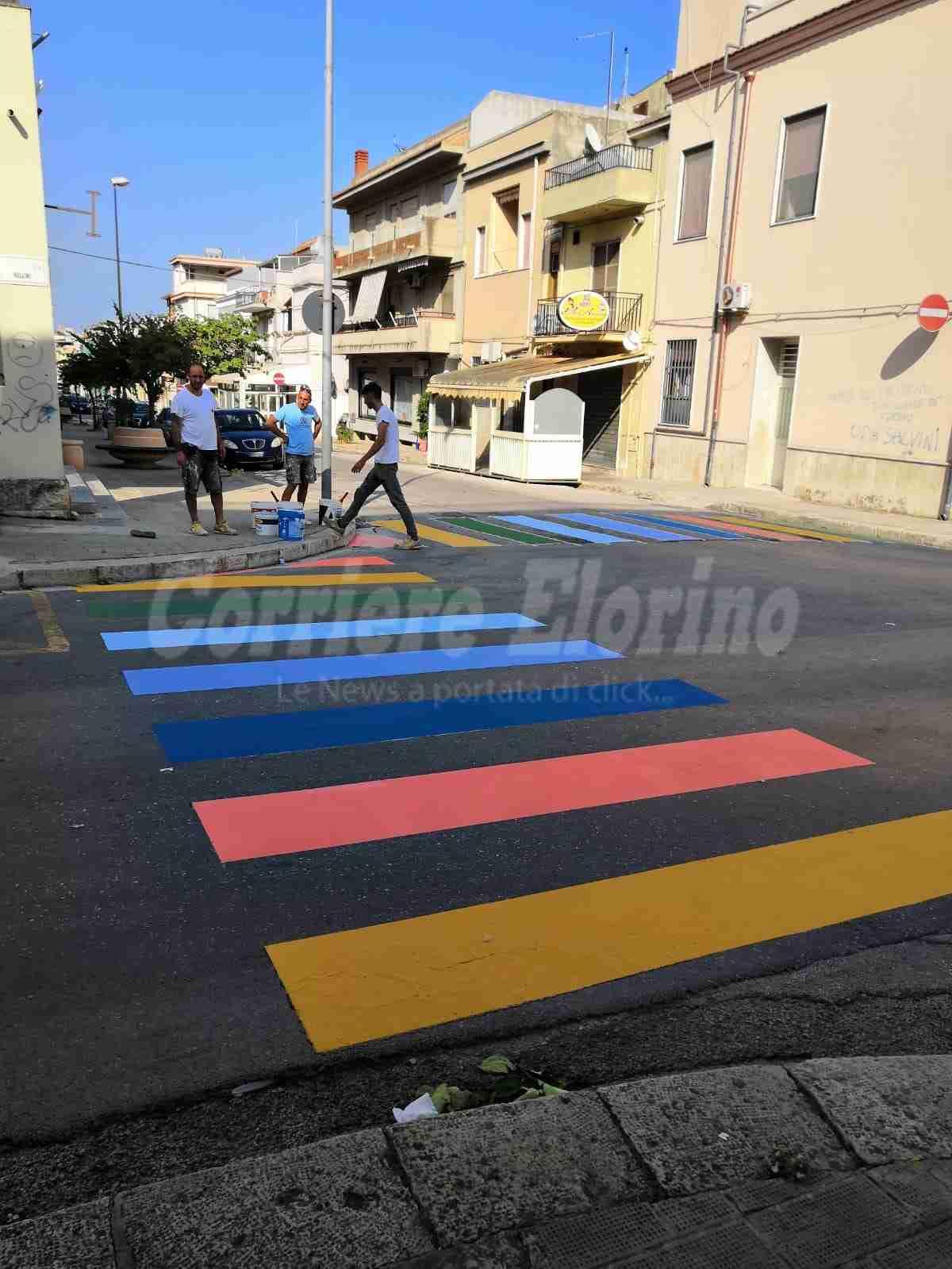 """Street Art, strisce pedonali colorate nelle scuole; Di Stefano: """"Un regalo ai bambini"""""""