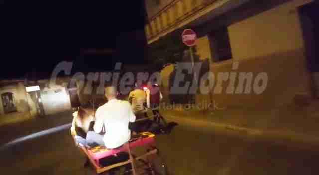 Corsa clandestina di cavalli nella notte a Rosolini, il video gira sui social
