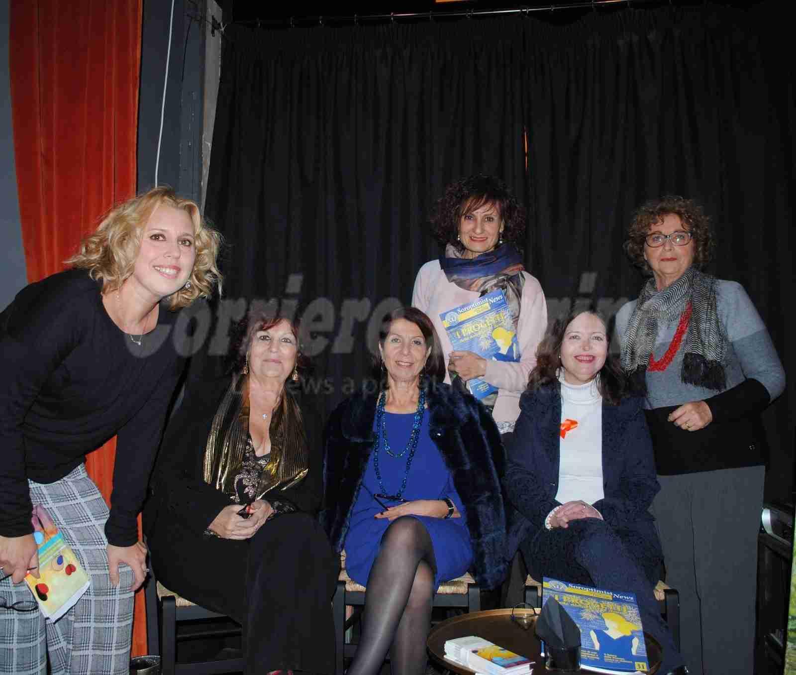 """Successo del """"Soroptimist Day"""": donne che si raccontano attraverso la scrittura, la poesia e la pittura"""