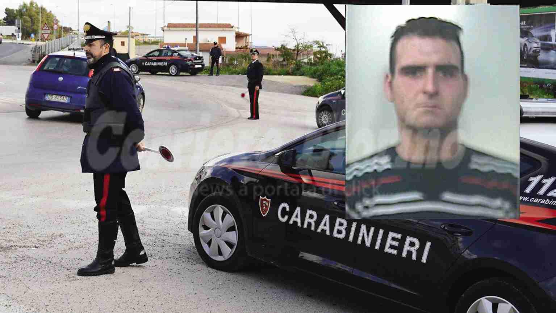Scippa una borsa ad una signora, i Carabinieri di Rosolini lo arrestano e restituiscono la refurtiva