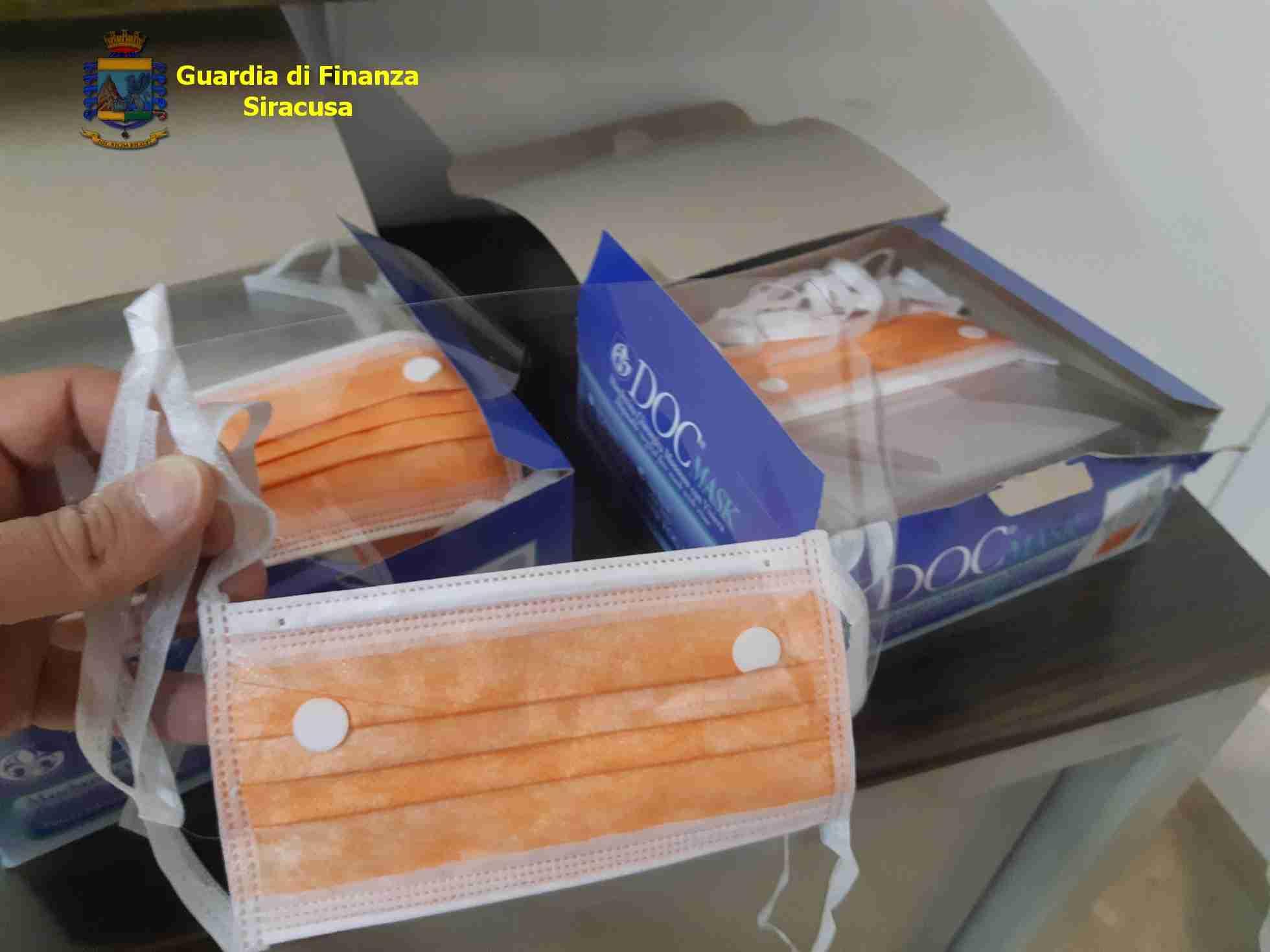 Coronavirus, Avola: speculava sulla vendita di mascherine chirurgiche. Denunciato un negoziante