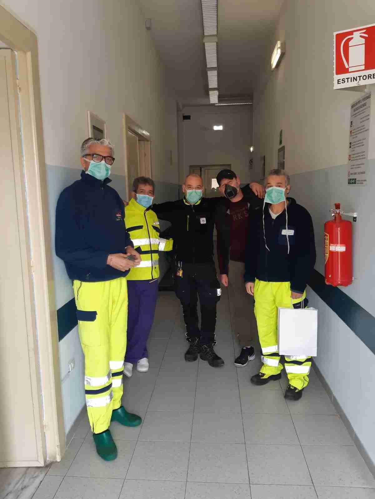 Coronavirus, carenza di mascherine per il 118? Il rosolinese Giovanni Simon Monaco le stampa in 3d e le dona a medici e sanitari