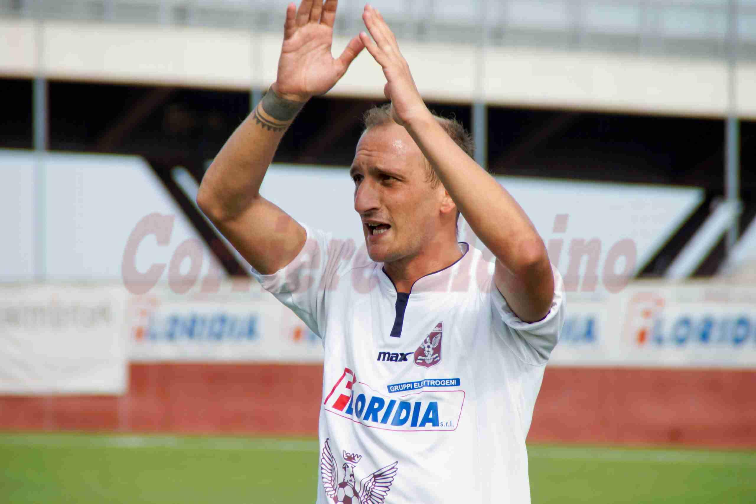 """Il mondo sportivo """"tifa"""" per l'ex granata Peppe Rizza, colpito da una emorragia cerebrale"""