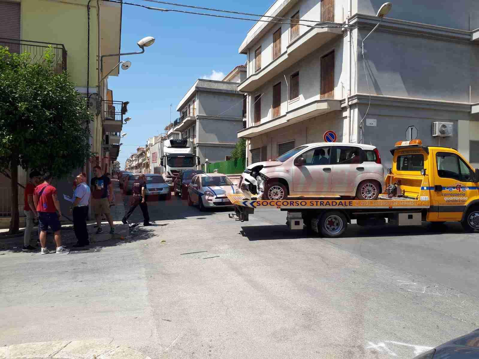 Ennesino incidente in via Bellini/Cesare Battisti, l'Amministrazione aspetta l'irreparabile?