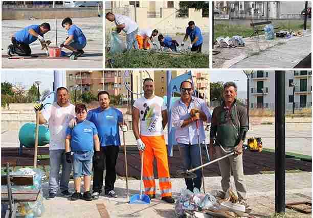 """""""Troppa sporcizia"""" in Piazza Beninato, Insieme per Rosolini e Ass. Partite Iva la ripuliscono"""
