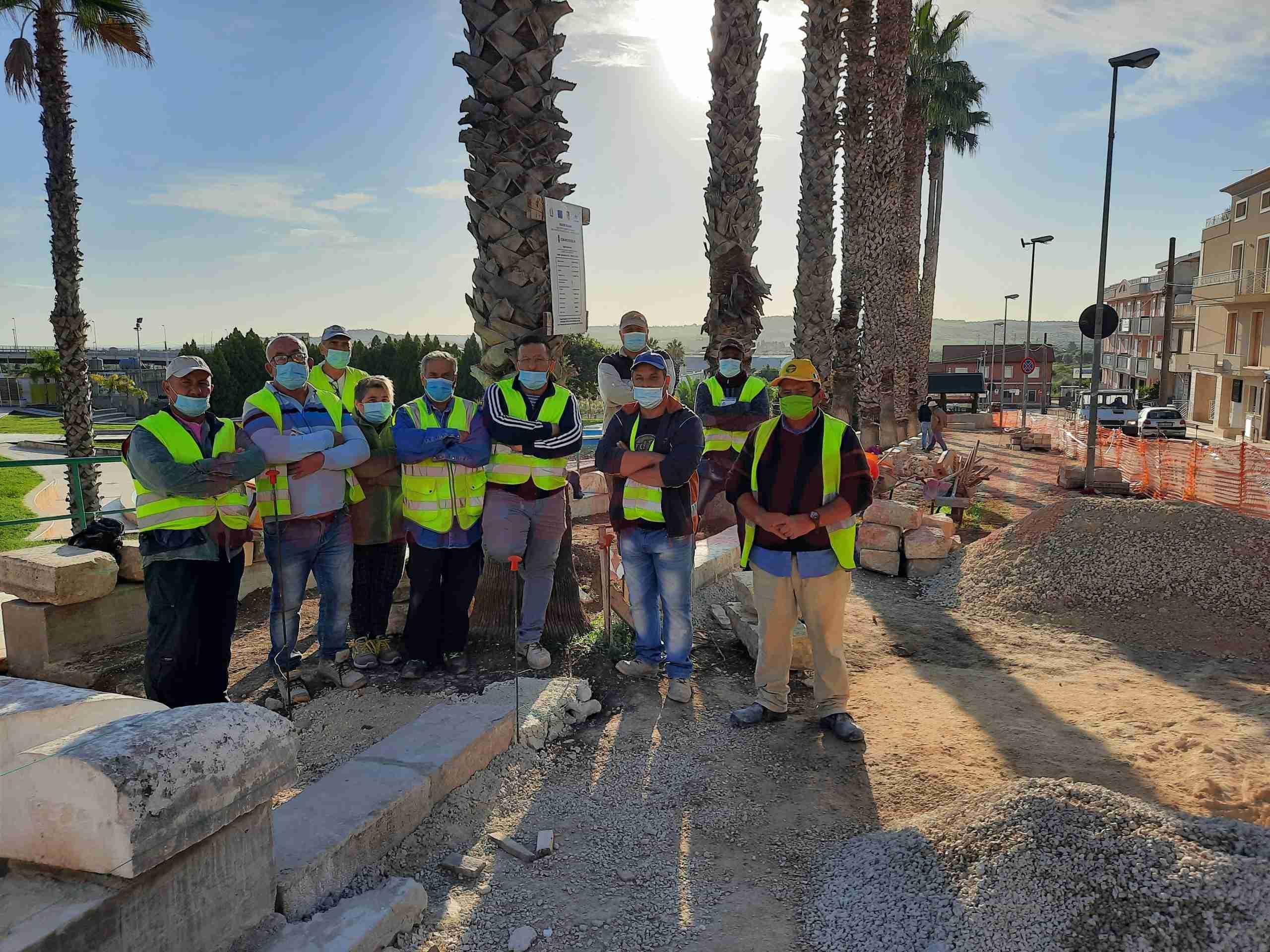 Cantiere regionale, lavoratori senza stipendio incrociano le braccia