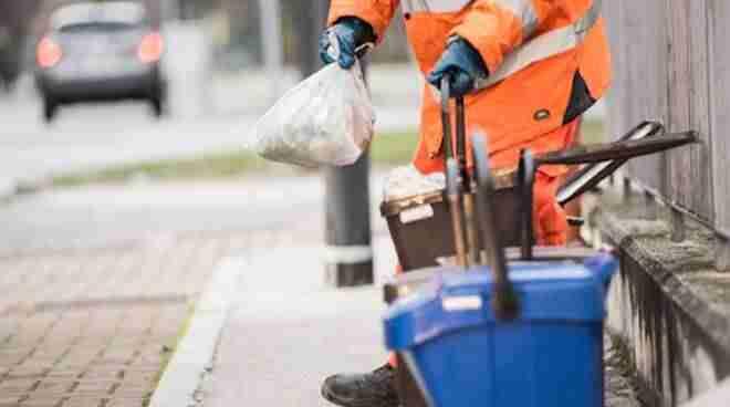 Sabato 1 maggio sospesa la raccolta dei rifiuti, il servizio riprenderà lunedì 3 maggio